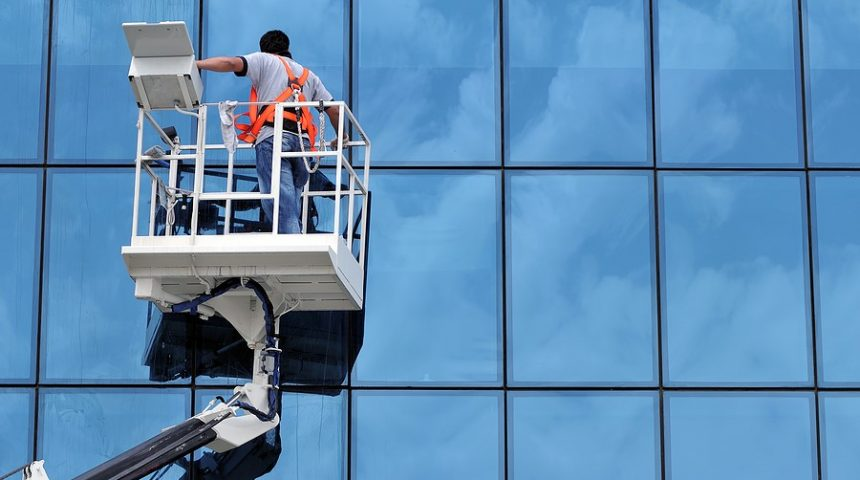 5 Tips to Clean Your Office Window Clearly